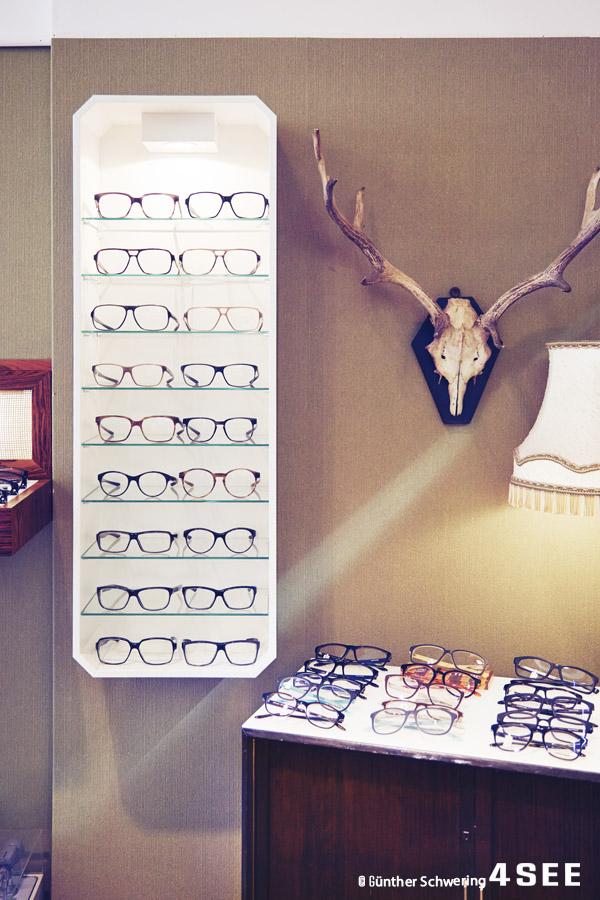 six.million.glasses02