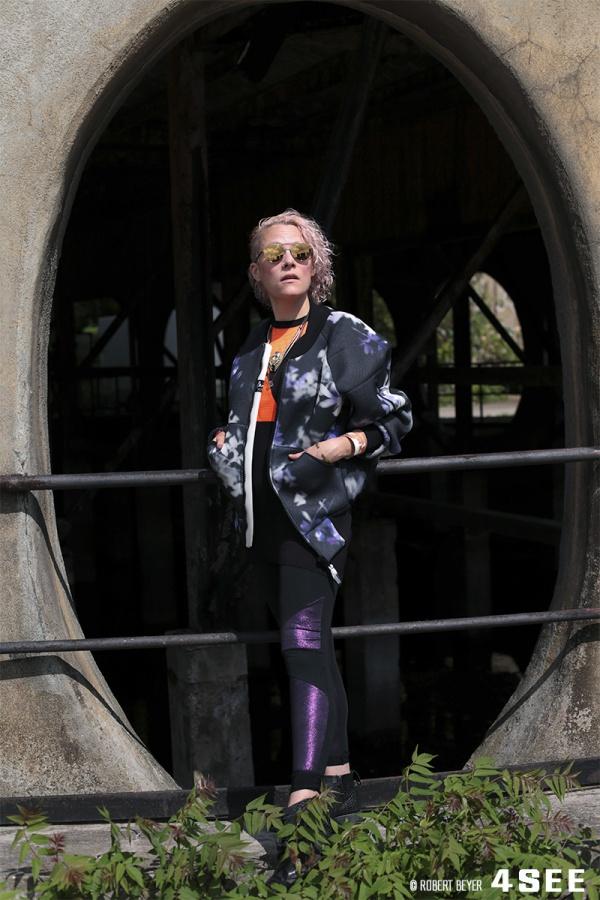 American artist Sadie Weis in Berlin, wearing MICHAEL KORS eyewear, photographed by 4SEE