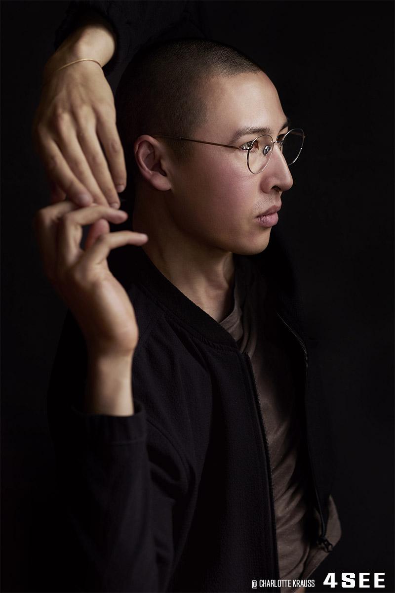 American artist Winston Chmielinski in Berlin, wearing COBLENS eyewear, photographed by 4SEE