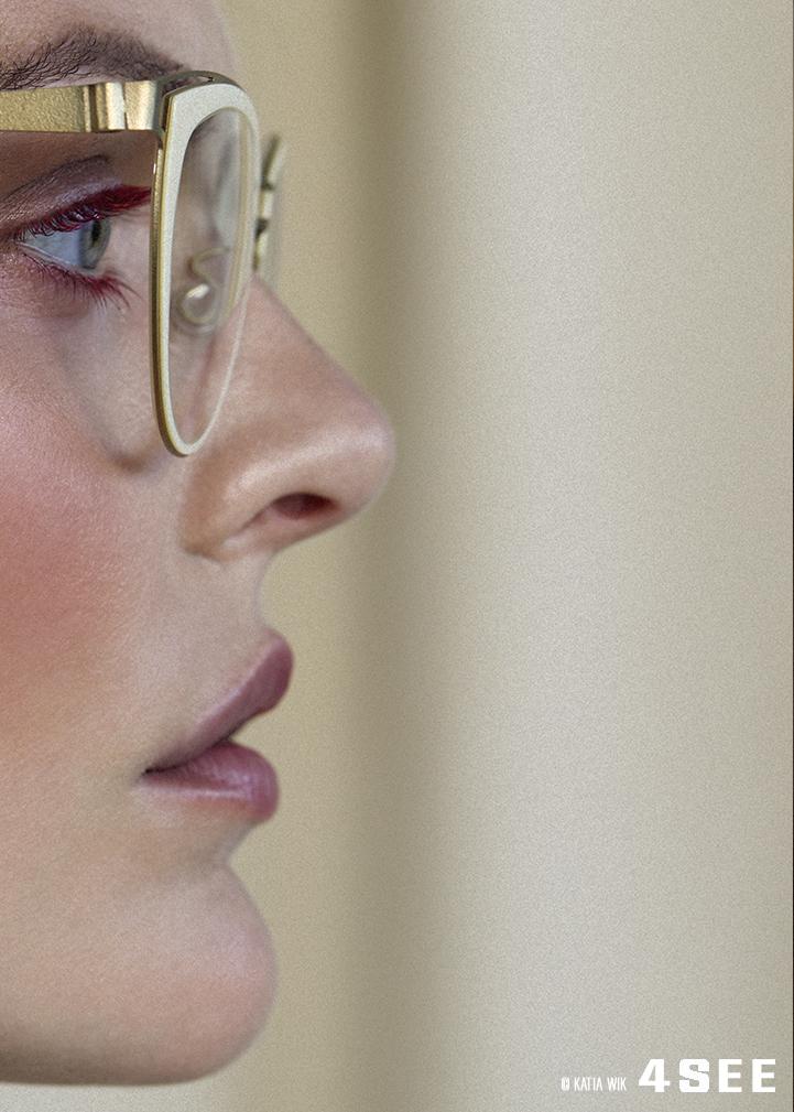 Sina model Glasses by LINDBERG Strip Titanium 9734 red alert Katia Wik