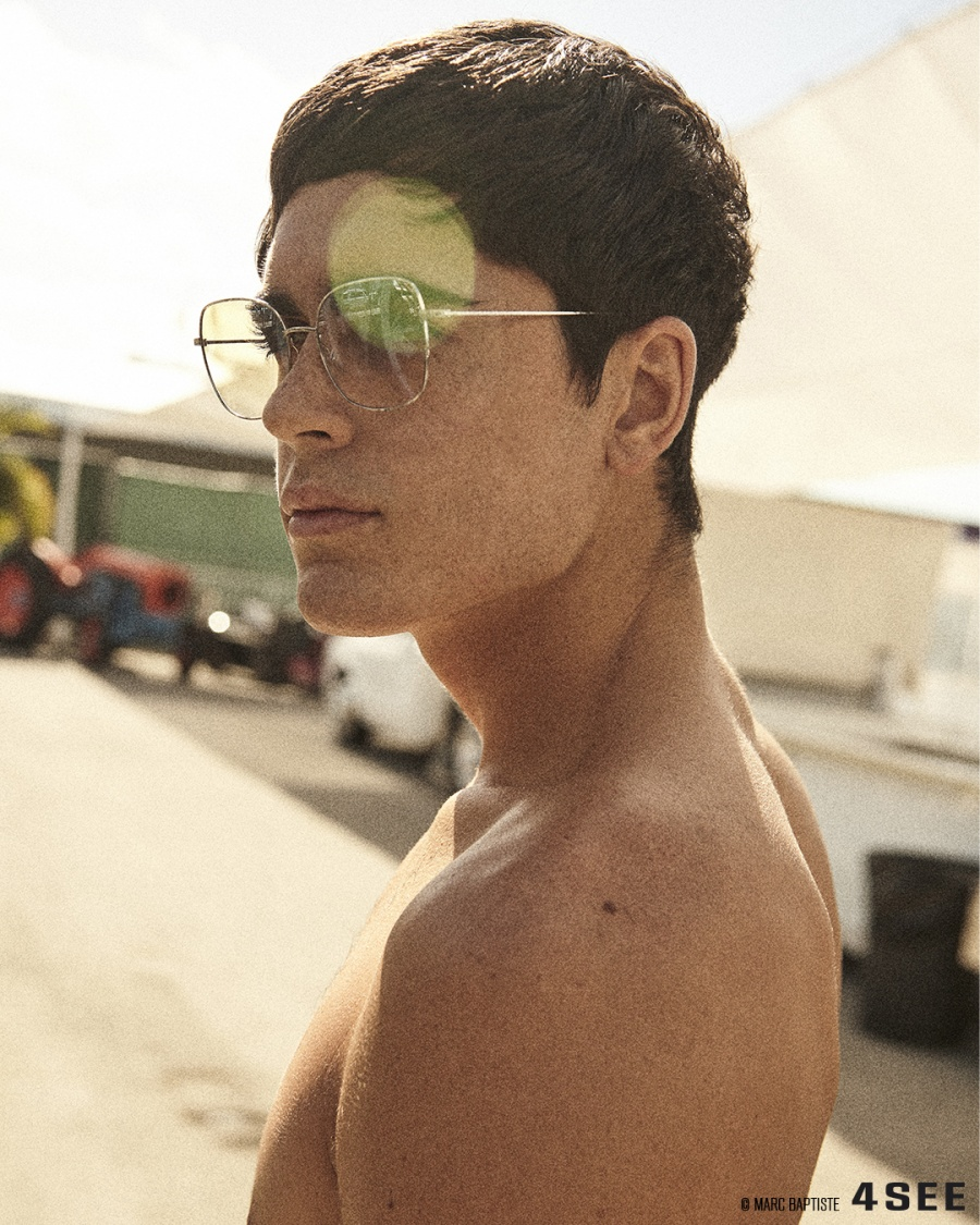 Louis Rizzo is wearing sunglasses BARTON PERREIRA Camille in Silver
