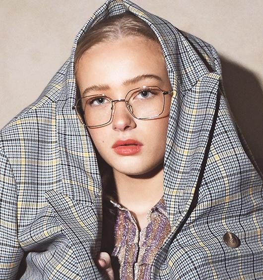 Signe Jeppesen female model glasses XAVIER GARCIA XAVIER GARCIA PERIS IN JAPAN GOLD / MILKY CARAMEL SIENNE ROUSSEAU