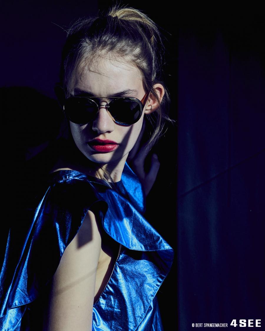 Sonnenbrille von VALENTINO VA4014, Top von DOROTHEE SCHUMACHER