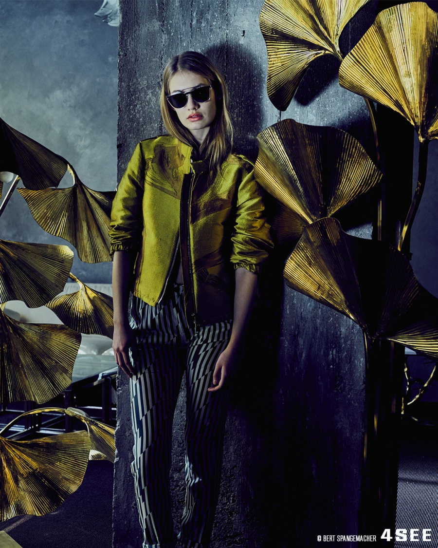 Eyewear by VALENTINO VA4008, Jacket and Pants by DOROTHEE SCHUMACHER