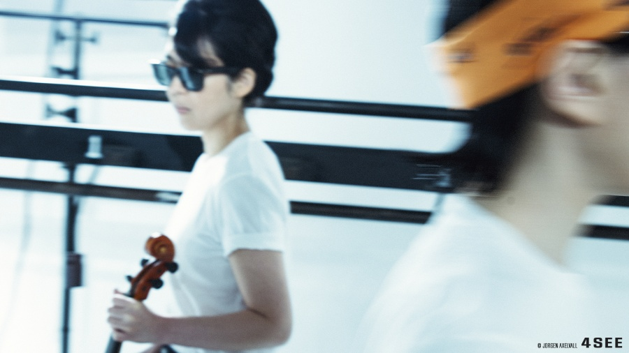 Kumi Mizukami and Miki Hayashi used sunglasses by RAY-BAN RB 2140-F