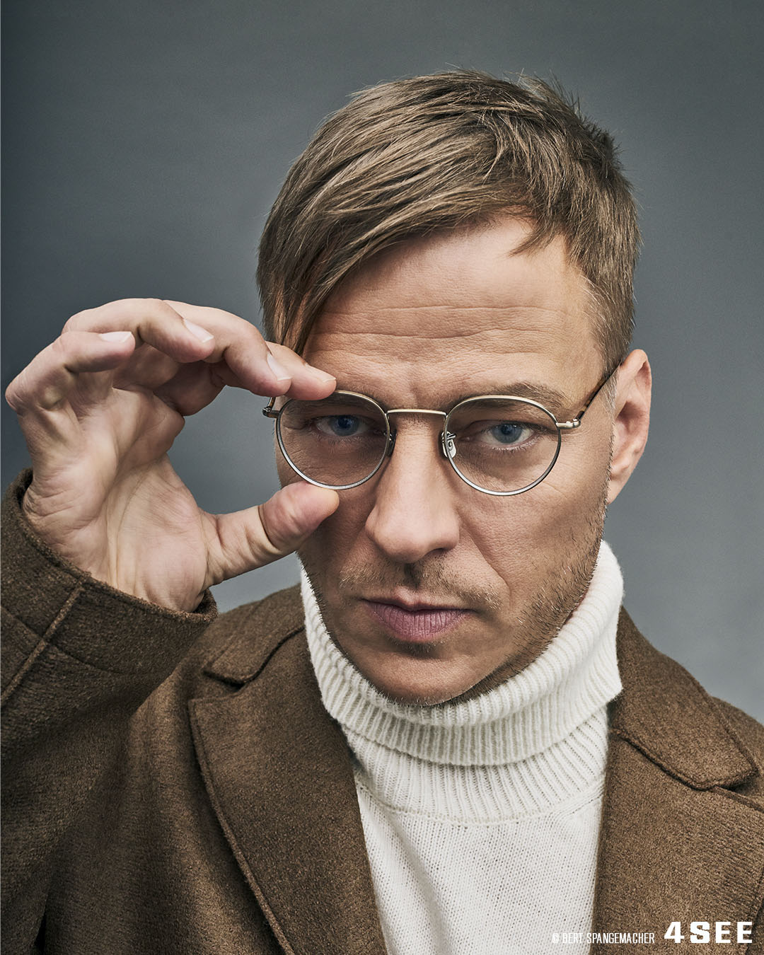 4SEE Interview with Tom Wlaschiha, Photography by Bert Spangemacher, Eyewear by Eyevan