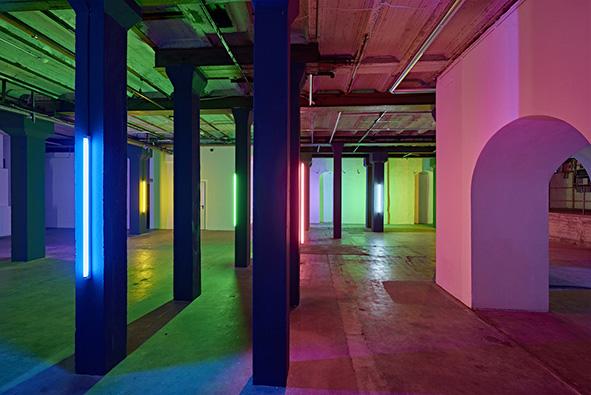"""""""Light Walk"""" by Zora Kreuzer, 2017, coloured fluorescent tubes, acrylic, light sequencer / E-Werk Freiburg (DE) Foto: Bernhard Strauss"""